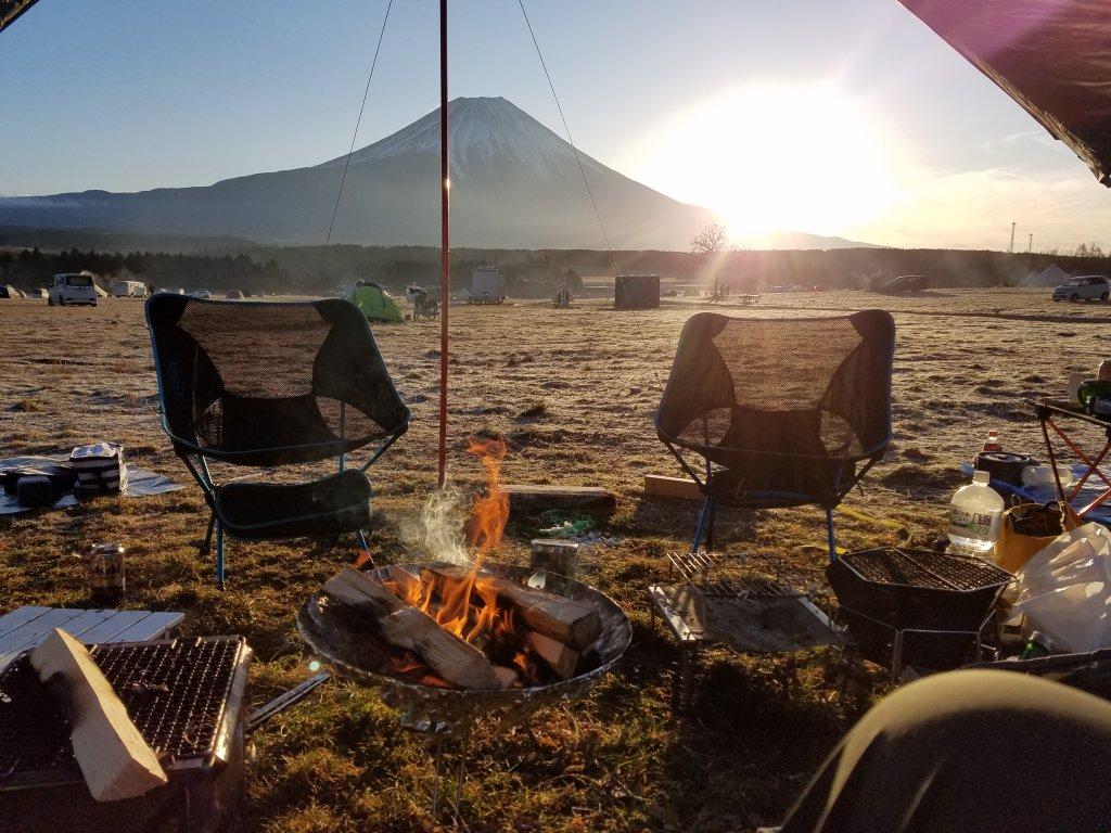 アフリカツインで激エモキャンプ