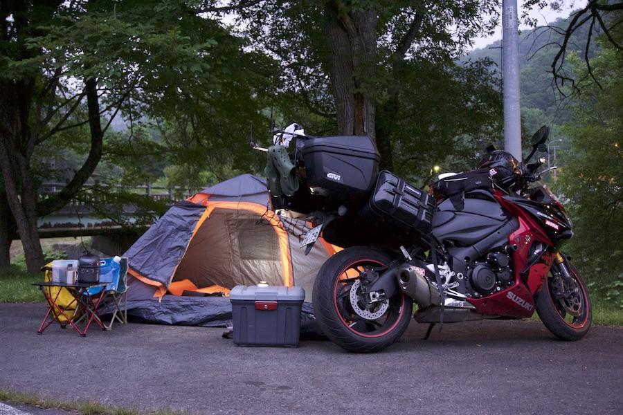 GSX-S1000F でキャンプ