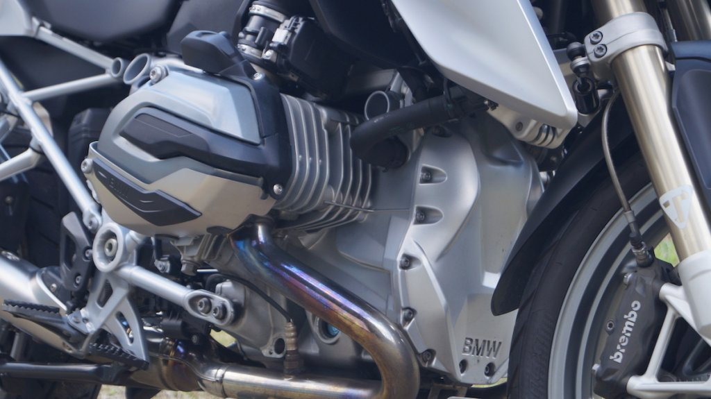 R1200GSの水平対向エンジン