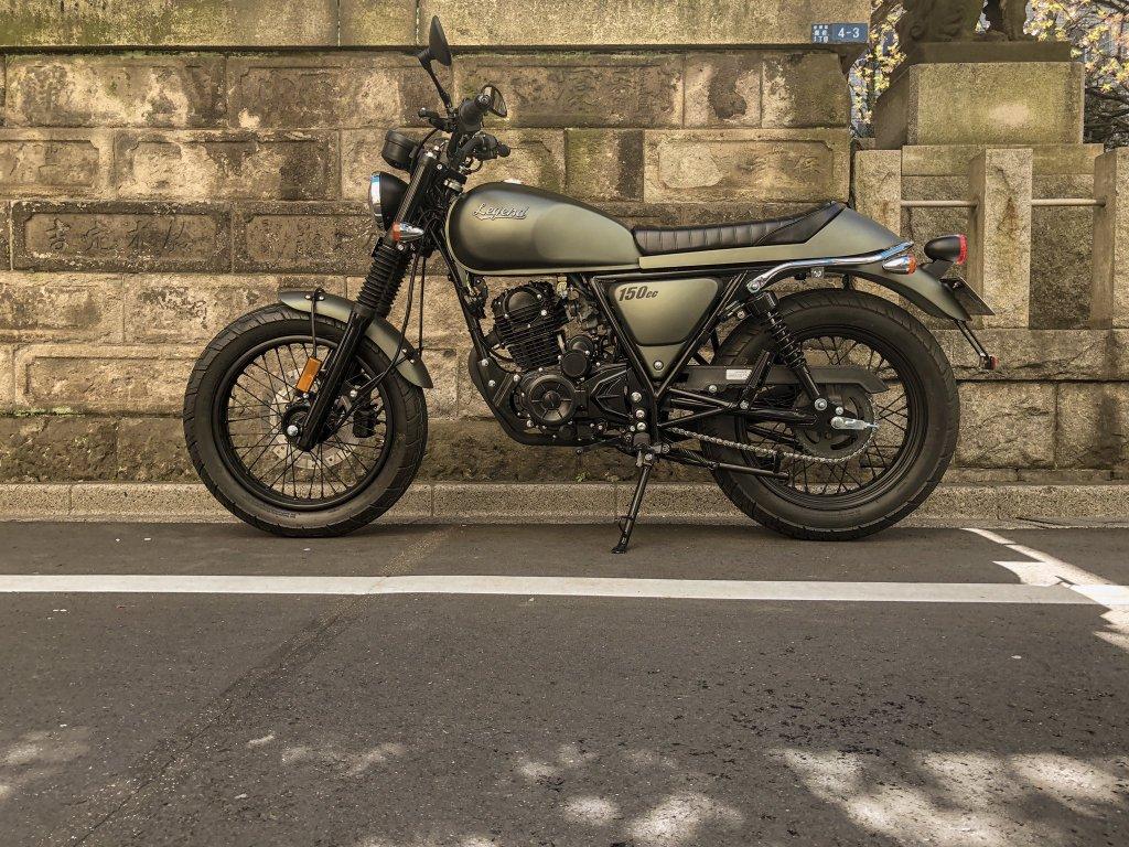 タイのバイクだけど日本にもよく似合う