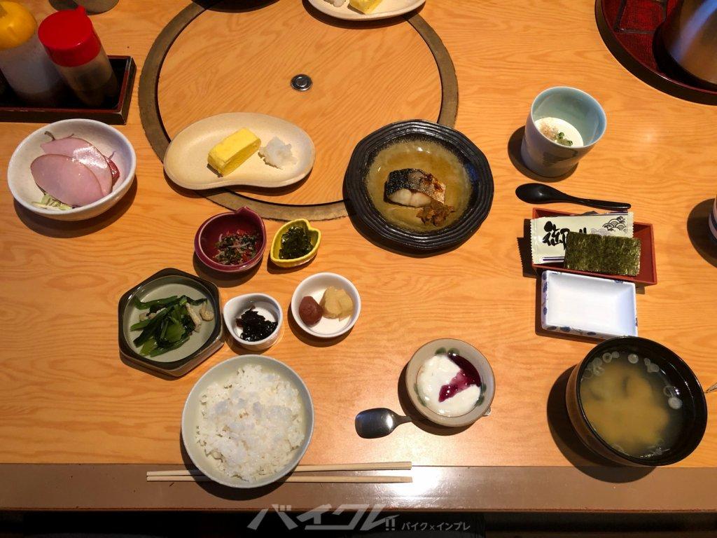 個室で体に良い朝食で整います