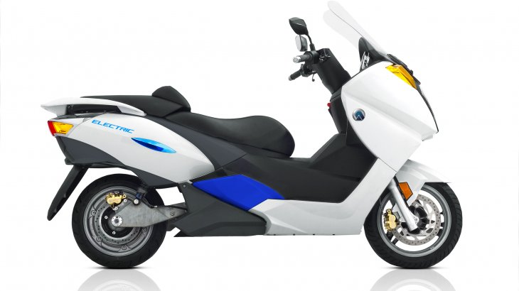 回生ブレーキ搭載の近未来型電動バイクに試乗してきた!【ADIVA VX-1】
