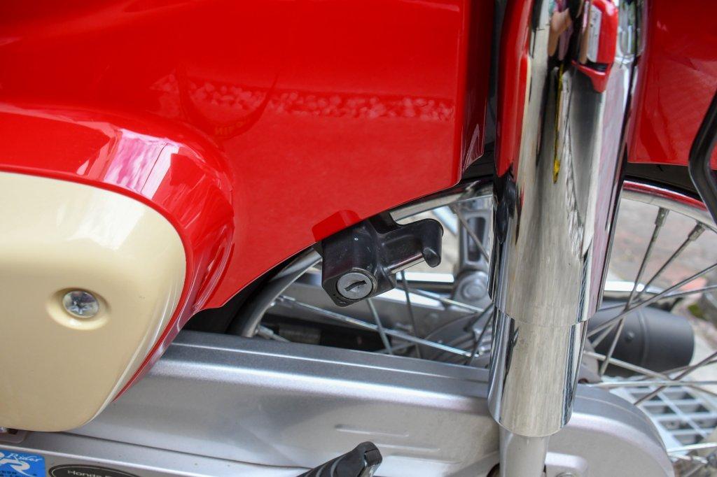 問題のヘルメットロック